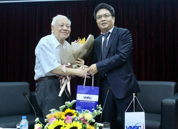 GS_VS hieu -GĐ Tuan