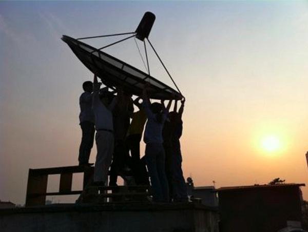 Installing the 2.6 m radio telescope in Ha Noi