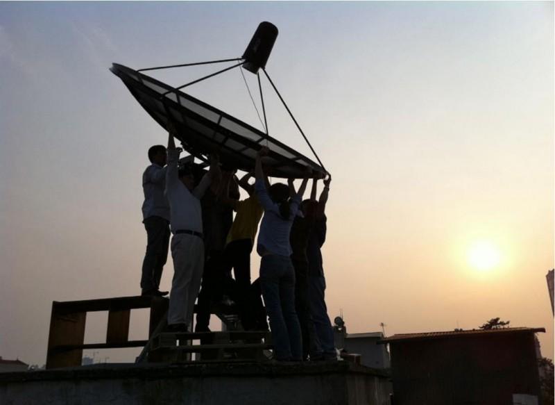Installing a 2.6 m diameter radio telescope